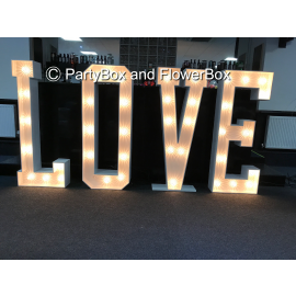LOVE 5FT SIGN
